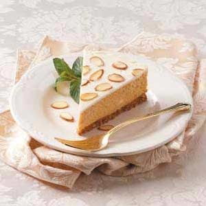Almond-Topped Pumpkin Cheesecake
