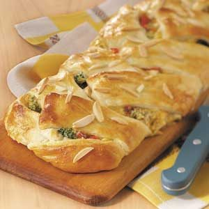 Makeover Chicken 'n' Broccoli Braid Recipe