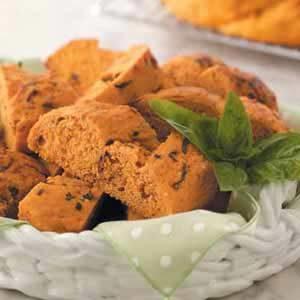 Sun-Dried Tomato 'n' Basil Wreath Recipe