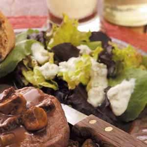 Creamy Blue Cheese Dressing Recipe