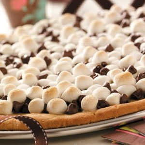 Chocolate Peanut Butter Pizza Recipe