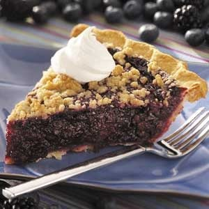 Black 'n' Blue Berry Crumb Pie