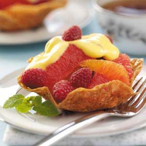 Lacy Fruit Cups with Sabayon Sauce