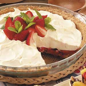 No-Bake Strawberry Cheesecake Pie Recipe