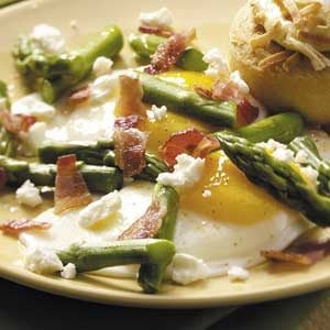 Eggs with Feta and Asparagus Recipe