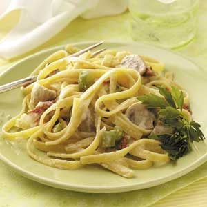 Fettuccine with Mushrooms and Tomatoes