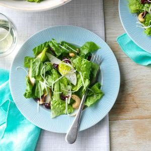 Cashew-Pear Tossed Salad Recipe