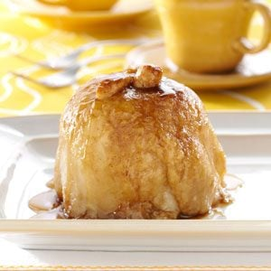 Apple Dumplings with Sauce