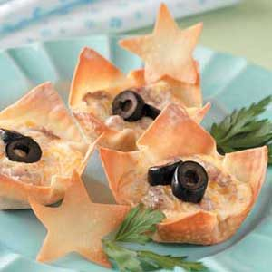 Ranch-Sausage Wonton Cups