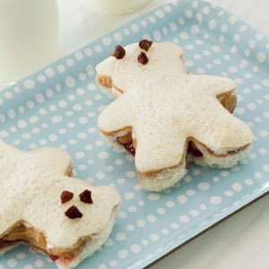 Peanut Butter and Banana Teddy Bear Sandwiches