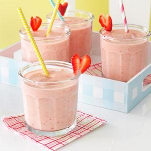 Strawberry-Peach Milk Shakes