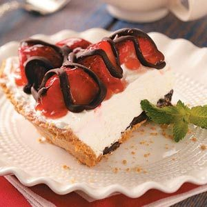 Strawberries & Cream Pie Recipe