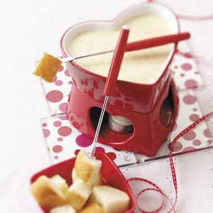 Simple Swiss Cheese Fondue Recipe