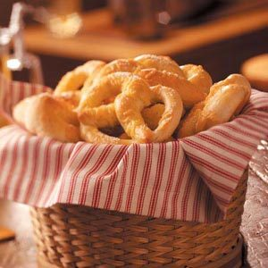 Beer 'n' Gouda Pretzels Recipe