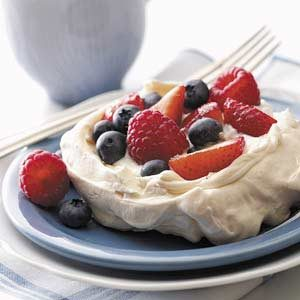 Meringues with Fresh Berries
