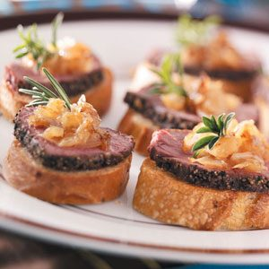 Pepper-Crusted Tenderloin Crostini Recipe