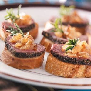 Pepper-Crusted Tenderloin Crostini