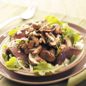 Mushroom Steak Salad with Walnut Vinaigrette