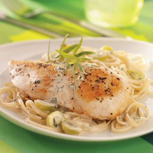 Tarragon Chicken with Grapes and Linguine Recipe