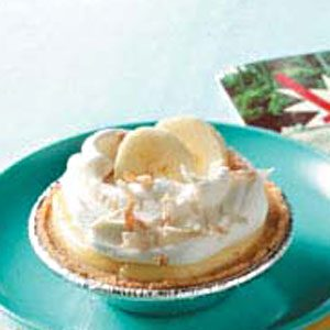 Tiny Banana Cream Pies Recipe