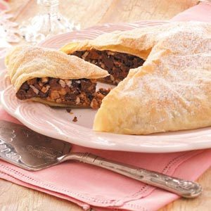 Toffee-Chocolate Pastry Bundle Recipe