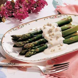 Asparagus with Blue Cheese Sauce Recipe