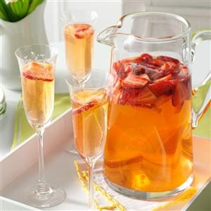 Menu #4 Drink: Spring Strawberry Sangria