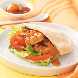 Mango Shrimp Pitas Recipe