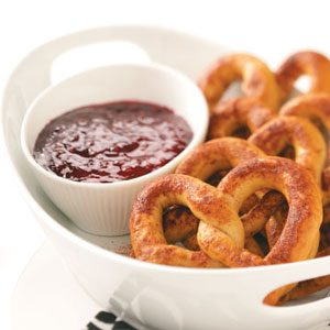 Cinnamon Baked Pretzels Recipe