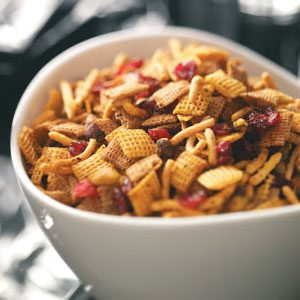 Curried Cran-Orange Snack Mix