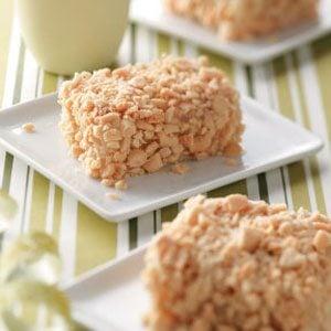 Crunchy Peanut Cake Bars Recipe