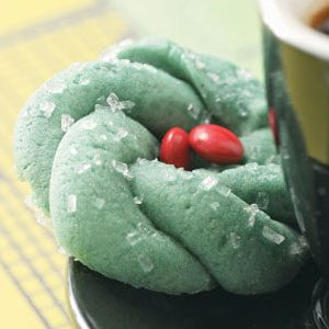 Festive Wreath Cookies