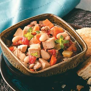 Slow-Cooked Turkey White Bean Soup
