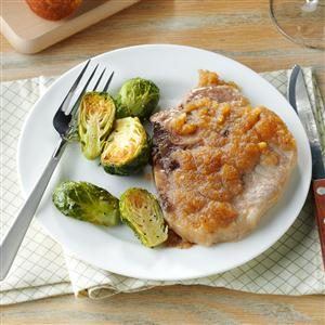 Applesauce-Glazed Pork Chops Recipe