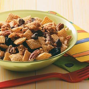 Maple-Pecan Snack Mix Recipe
