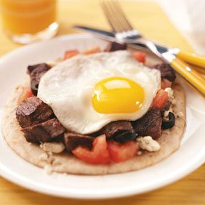 Mediterranean Steak & Egg Pitas Recipe
