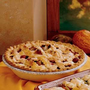 Old-Fashioned Cran-Apple Pie Recipe