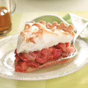 Strawberry-Rhubarb Meringue Pie