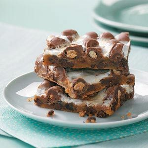 Gooey Chocolate-Peanut Bars Recipe