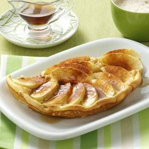 Puffy Cinnamon-Apple Omelet Recipe