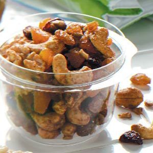 Fruit and Nut Trail Mix Medley Recipe