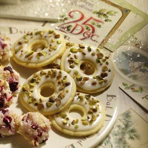 Lemon Pistachio Wreaths Recipe