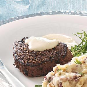 Peppered Filets with Horseradish Cream Sauce Recipe