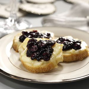 Brie Toasts with Cranberry Compote Recipe