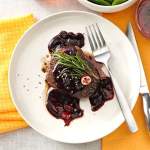 Beef Tenderloins with Cranberry Sauce Recipe