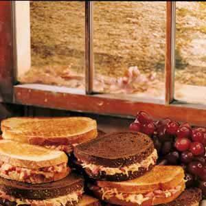 Reuben Deli Sandwiches Recipe