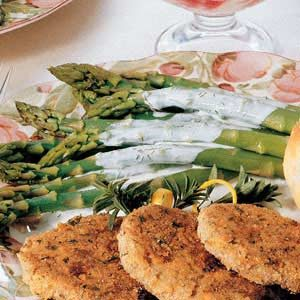 Asparagus with Creamy Dill Sauce Recipe