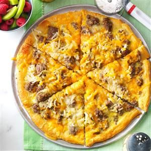 Sausage and Hashbrown Breakfast Pizza Recipe