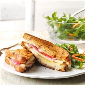 Apple-White Cheddar Grilled Cheese