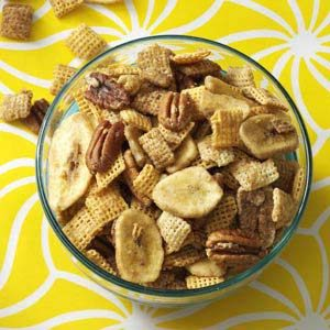 Bananas Foster Crunch Mix Recipe